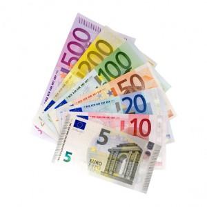 IMMOVATON AG: Geldscheine, Kapitalanlagen und Immobilien
