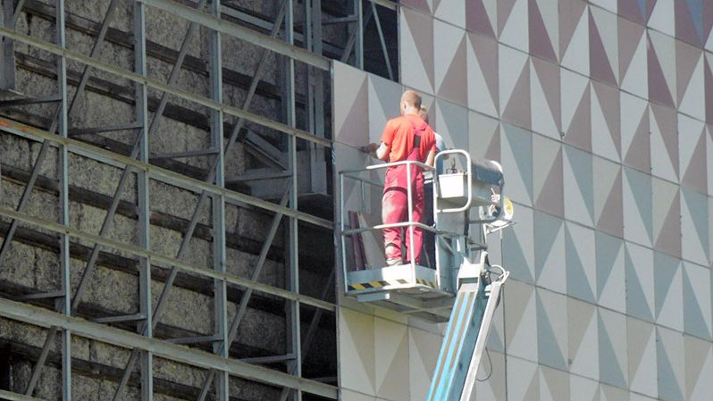 Projekt Lingner Altstadtgarten Dresden, Rechenzentrum, Sicherung der Fassadenelemente