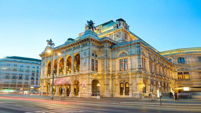 Vienna City Marathon führt vorbei an der Staatsoper